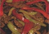 Carne e Pimentão Vermelho